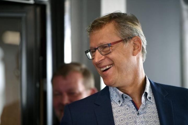 """A-maajoukkueen päävalmentaja Markku Kanerva sanoo, että Teemu Pukin ympärillä olevaa ylistystä on """"huikeaa seurata"""". LEHTIKUVA / ANTTI AIMO-KOIVISTO"""