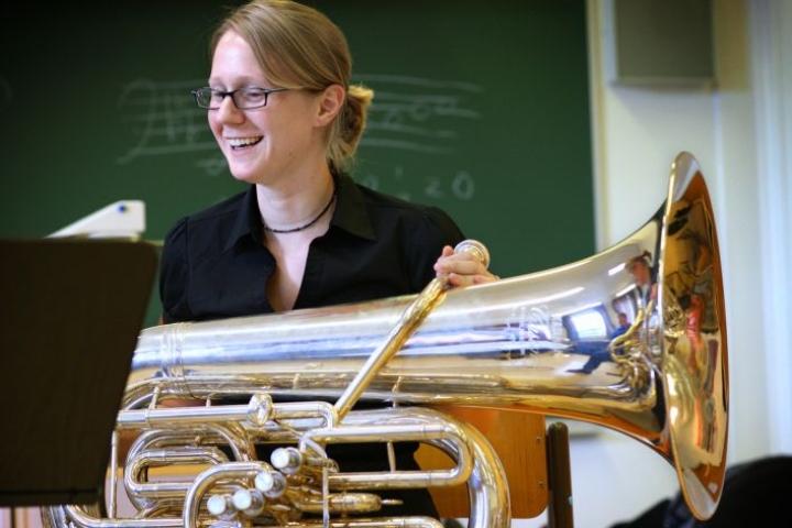 Tuubisti Carol Jantsch Lieksan Vaskiviikolla vuonna 2008.