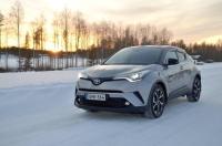 Toyotan uudessa C-HR:ssä on särmää ja kunnianhimoa – koeajovideo