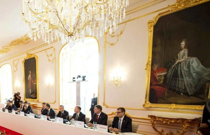 Turvallisuuden lisääminen on ykkösasia tänään pidettävässä Bratislavan EU-huippukokouksessa, sanoo pääministeri Juha Sipilä (kesk.).  Lehtikuva/AFP.