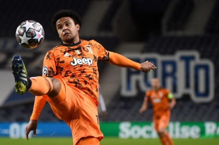 Schalkesta täksi kaudeksi lainalle tullut McKennie on tiistaina kovan paikan edessä, kun Juventus lähtee kolmen viikon takaisen tappion jälkeen tavoittelemaan Mestarien liigan puolivälieräpaikkaa Portoa vastaan. LEHTIKUVA / AFP