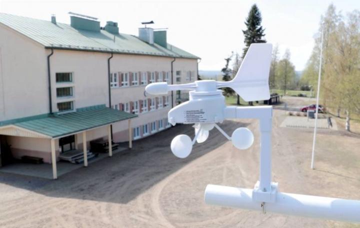 Yksi sääasemistä sijaitsee Selkien koululla.