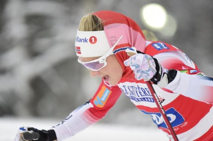Therese Johaugin tuorein mestaruus on uran 16:s. Kuva otettu marraskuussa 2020 maailmancupissa Rukalla. LEHTIKUVA / Vesa Moilanen