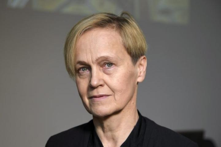 Kirjailija Helena Sinervo sai tämän vuoden Aleksis Kiven palkinnon. LEHTIKUVA / MARKKU ULANDER