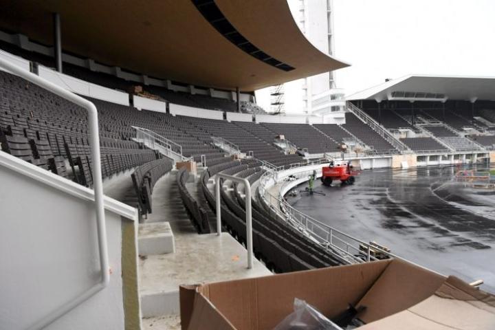 Remontoitava Helsingin Olympiastadion tänään. Usean vuoden remontin alla ollut stadion on määrä avata ensi vuoden elokuussa. LEHTIKUVA / JUSSI NUKARI