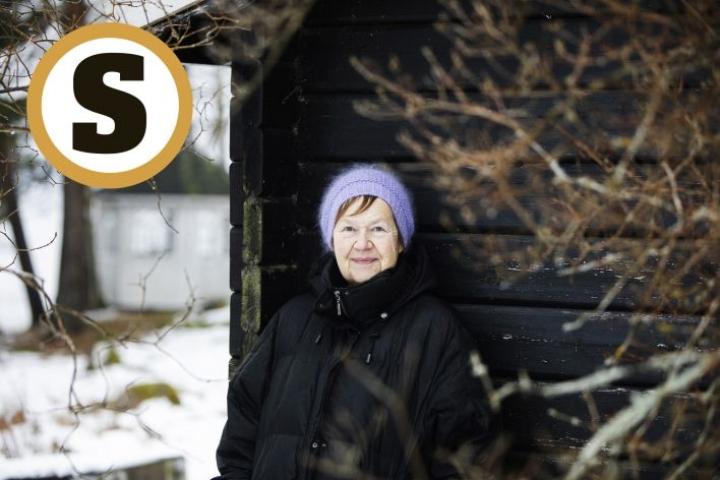 Pyyntö Ruotsin akatemian jäseneksi oli Tua Forsströmille valtava yllätys. Pienen mietinnän jälkeen se tuntui hyvältä tavalta rikkoa passiiviseksi jämähtänyt elämänvaihe.