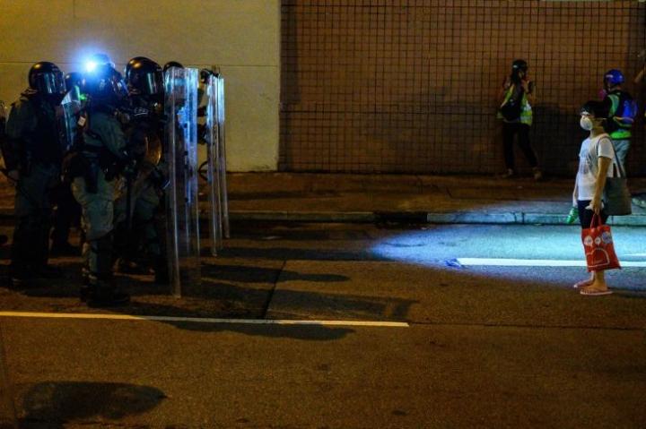 Mielenosoitukset alkoivat muutama kuukausi sitten kiistellyn luovutuslain takia. LEHTIKUVA / AFP