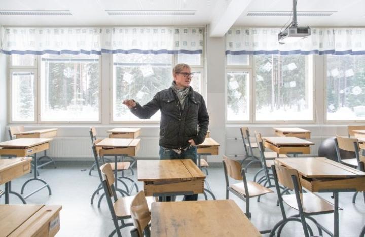 Joensuun kaupunginvaltuutetut saavat tänään tiedokseen Enon ja Uimaharjun kouluilla tehdyn sisäilmaselvityksen. Kuvassa rehtori Timo Alanko.