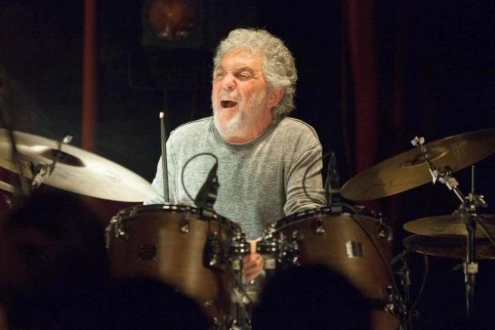 Steve Gadd on soittanut muun muassa Simon & Garfunkelin, Frank Sinatran ja Eric Claptonin kanssa.