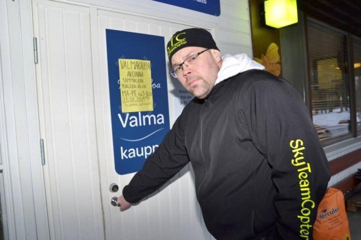 Kun Valmakauppa sulkeutuu, Antti Ikonen keskittyy jatkossa oman yrityksensä Sky Team Copterin pyörittämiseen.