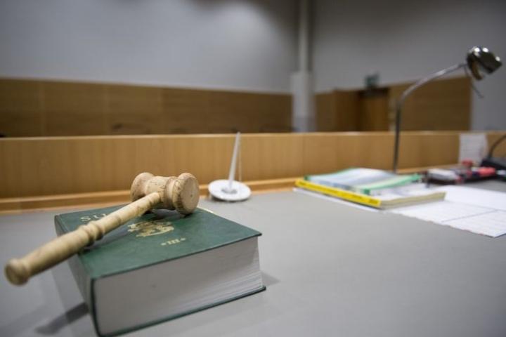 Joillakin kansalaisaloitteilla on vielä pitkä matka lakikirjaan.