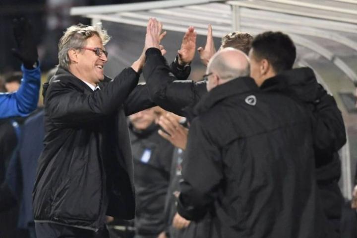 Suomen maajoukkueen päävalmentaja Markku Kanerva pääsi maanantai-iltana juhlimaan voittoa Kreikasta.