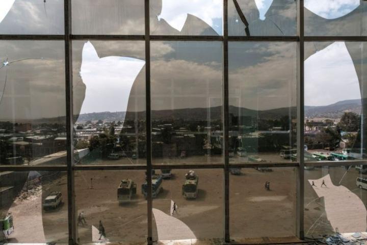 Yleistä näkymää Tigrayn pääkaupunki Mekelen liepeiltä olevalta bussiasemalta. Sekä Eritrean että Etiopian joukkoja on syytetty julmuuksista siviilejä kohtaan Tigrayn konfliktissa. LEHTIKUVA / AFP