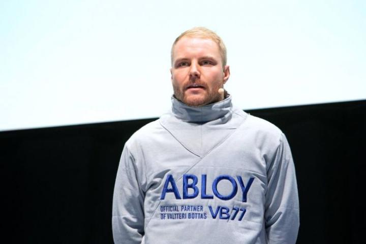 Valtteri Bottas esittäytyi abloylaisille tiistaina Joensuun urheilutalossa.