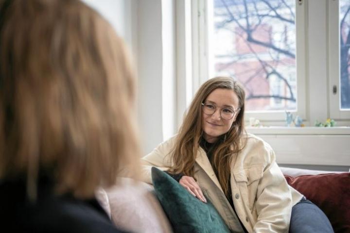 Emma Nikka toisi enemmän empatiaa ja rakkautta suomalaisille työpaikoille.