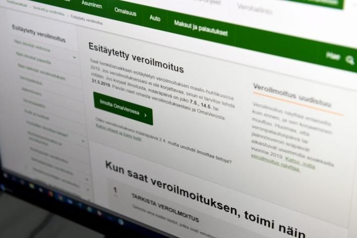 Verohallinto suosittelee tietojen täydentämistä netin OmaVero-palvelussa. LEHTIKUVA / ANTTI AIMO-KOIVISTO