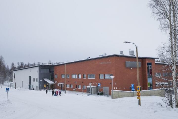 Joensuun kaupunginhallitus esittää valtuustolle, että Enon ja Uimaharjun yläkouluopetus keskitetään Uimaharjuun.