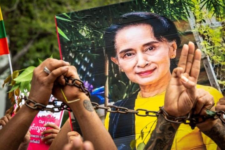 Vallasta syrjäytettyä ja vangittua Aung San Suu Kyitä ei ole nähty sen jälkeen, kun armeija kaappasi vallan. LEHTIKUVA / AFP