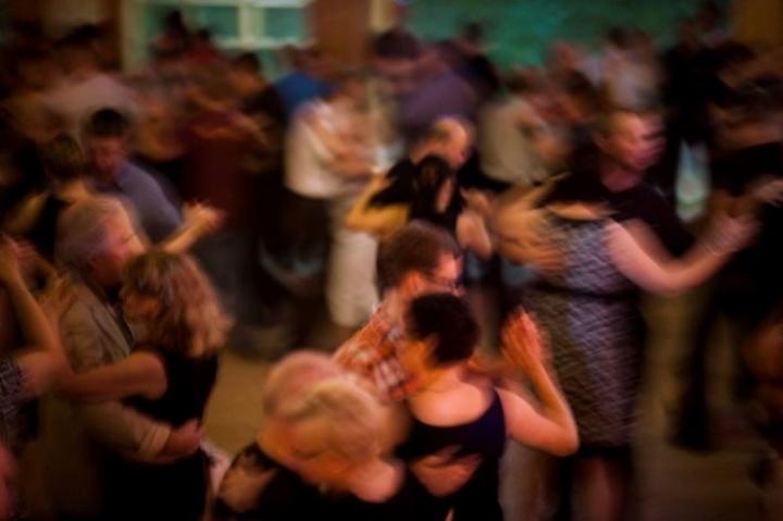 Osa koronan hiljentämistä tanssilavoista avautuu erityisjärjestelyin heinäkuussa.