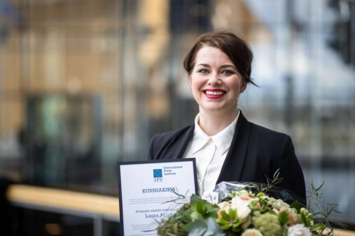 Erätauko-säätiön toimitusjohtaja Laura Arikka sai kansainvälisen lehdistöinstituutin IPI:n tunnustuksen työstään 29. huhtikuuta. LEHTIKUVA / HANDOUT