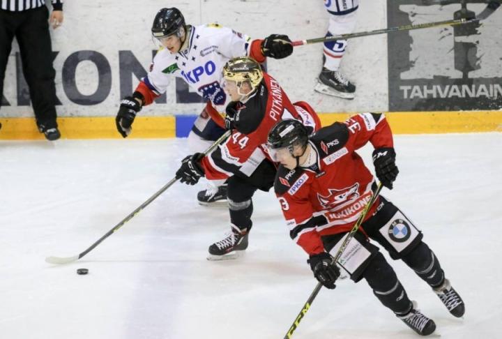 Samu Pitkänen ja Janne Väyrynen ovat huomanneet Hermeksen yllättävän kiusalliseksi ja kovaksi vastustajaksi. Ottelusarja jatkuu maanantaina Kokkolassa.