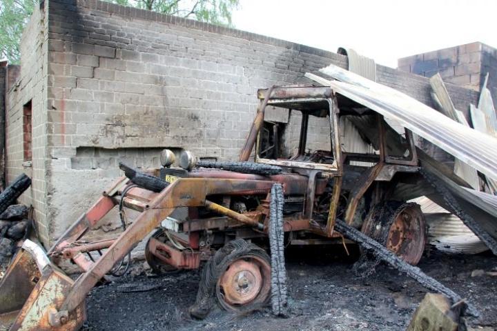 Toukokuussa 2014 tuli tuhosi Kiihtelysvaarassa navetan, vajan, kaksi traktoria ja asuntoauton.