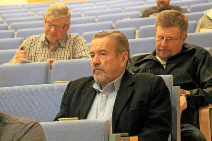 Arkistokuvassa edessä Yrjö Eronen. Takana Harri Laasonen ja taaempana (vas.) Jouko Tolvanen.