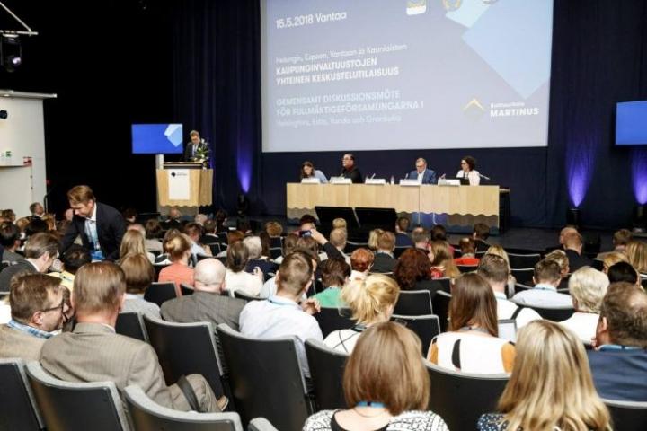 Helsingin, Espoon, Kauniaisten ja Vantaan valtuustot keskustelivat tiistaina 15. toukokuuta maakunta- ja sote-uudistuksesta.