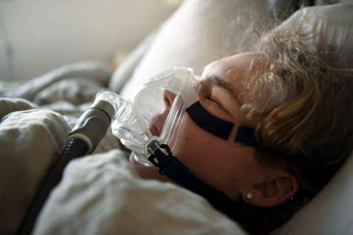 Lievässä uniapneassa unenaikaisia hengityskatkoksia on 5–15 tunnissa, kohtalaisessa 16–30 tunnissa ja vaikeassa vähintään joka toinen minuutti. LEHTIKUVA / JUSSI NUKARI