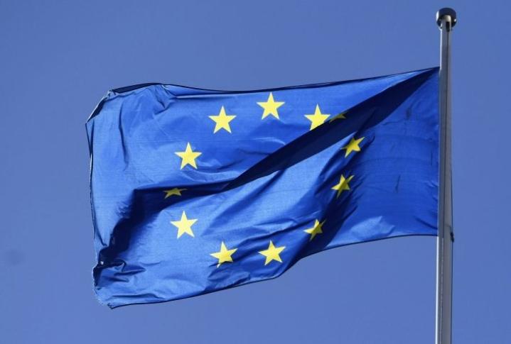 EU-maiden toipuminen koronakriisistä kulkee eritahtisesti, ja toipumisessa on merkittäviä eroja myös eri alojen välillä. LEHTIKUVA / Vesa Moilanen