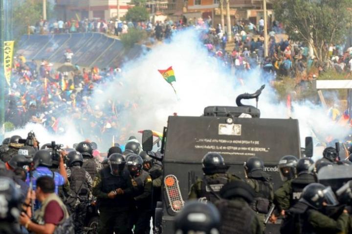 Boliviassa on jälleen puhjennut rajuja yhteenottoja. Lehtikuva/AFP