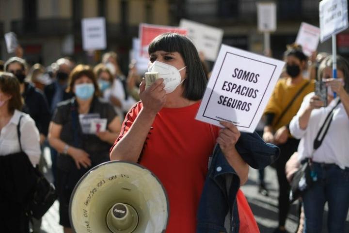 Koronarajoituksista on seurannut levottomuuksia Espanjassa. LEHTIKUVA/AFP