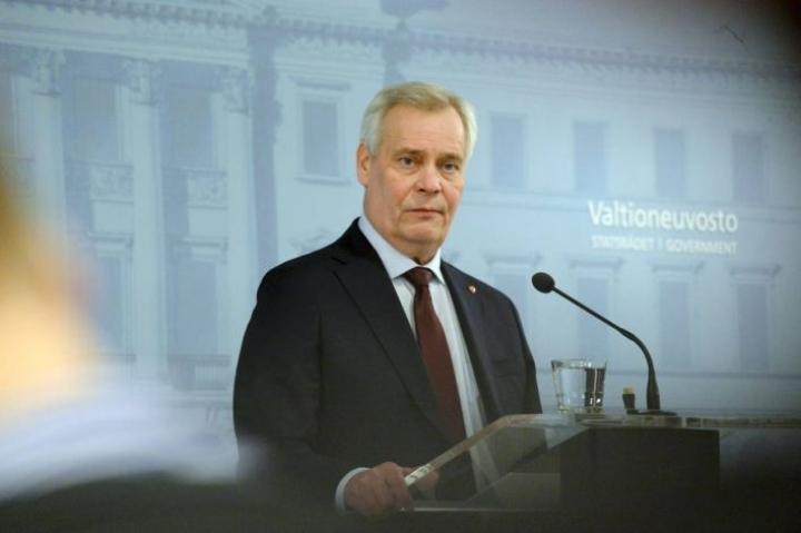 Pääministeri Antti Rinne (sd.) kertoi erostaan medialle tiistaina.