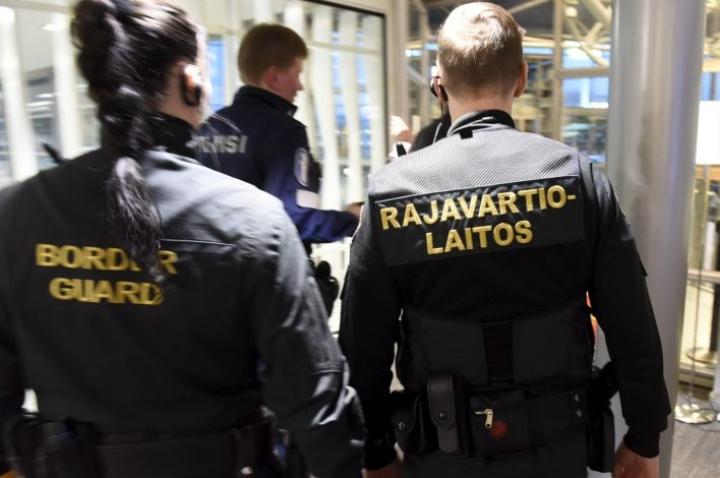 Rajavartiolaitoksen tutkinnanjohtajan mukaan rikollisorganisaation tehokkuus ja ammattimaisuus tekevät tapauksesta poikkeuksellisen. LEHTIKUVA / HEIKKI SAUKKOMAA