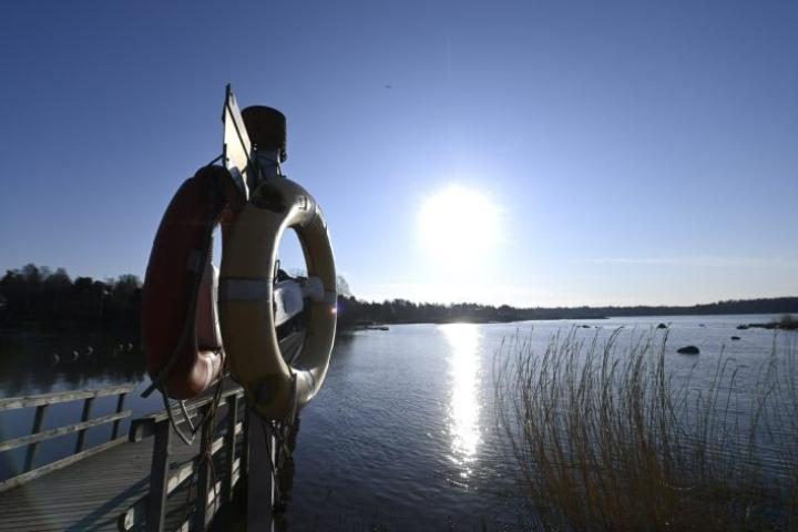 Suomen Uimaopetus- ja Hengenpelastusliitto muistuttaa, että jäätilanne on nyt hyvin vaihteleva ympäri maata. LEHTIKUVA / Vesa Moilanen