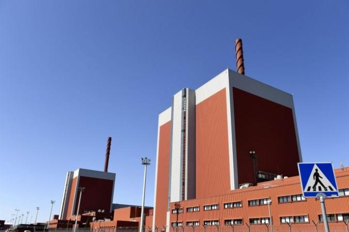Aiemmin TVO:sta arvioitiin, että reaktori saataisiin käyntiin ja palautettua verkkoon sunnuntain ja maanantain välisenä yönä. Lehtikuva / Antti Aimo-Koivisto
