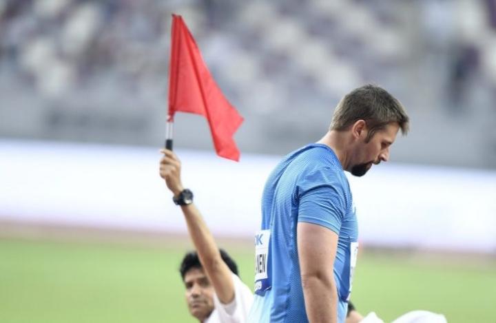 Karsiutuminen Dohan keihäsfinaalista oli Ruuskaselle kova kolaus. Hän uskoo kuitenkin vakaasti, että voi vielä menestyä maailman valioiden seurassa. LEHTIKUVA / MARTTI KAINULAINEN