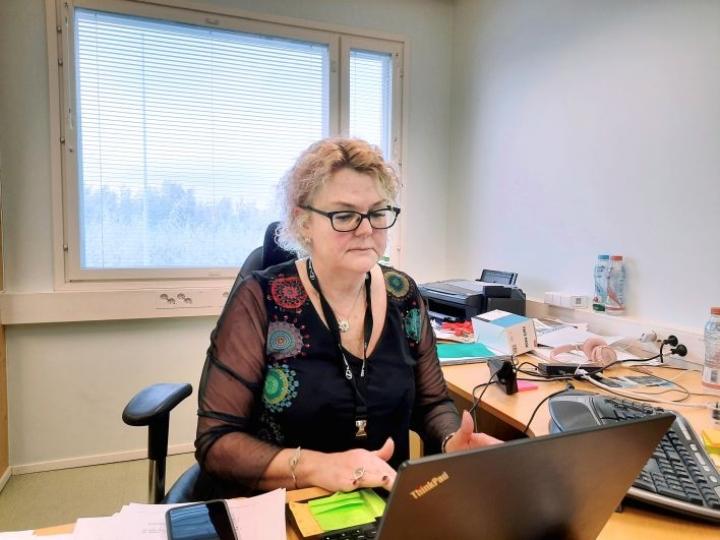 Susanna Luostarinen kertoo, että Nordic Koivu lanseeraa tässä kuussa Suomen kuluttajamarkkinoille mahlajuoman, jota myydään tetroissa.