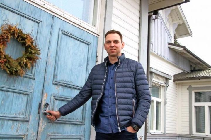 Mikko Löppönen asui perheineen lapsuuden kodissaan vielä muutama vuosi sitten.