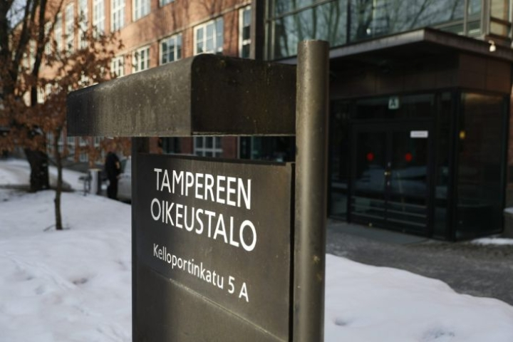 Pirkanmaan käräjäoikeus tuomitsi Tampereen Vasaratien murhajutun syytetyt elinkautisiin vankeusrangaistuksiin.  LEHTIKUVA / KALLE PARKKINEN