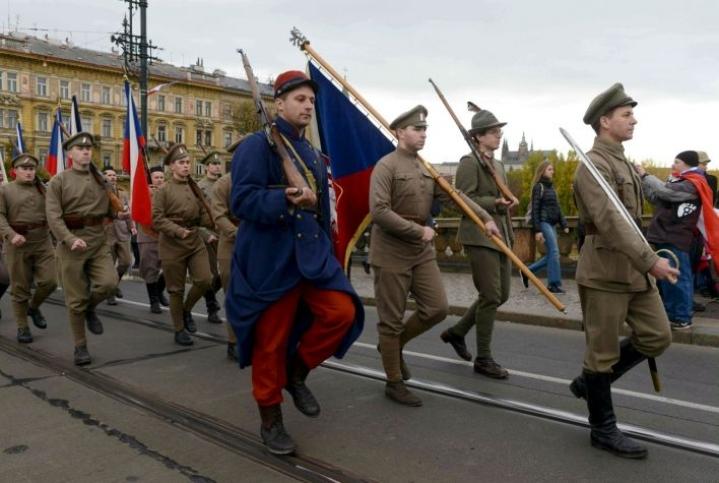 Pyöreisiin vuosiin liittyvät juhlallisuudet alkoivat jo lauantaina. LEHTIKUVA / AFP