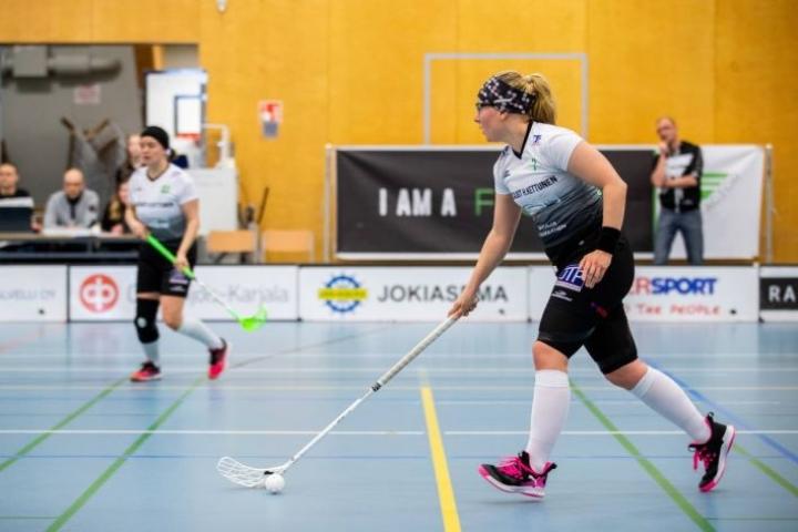 FB Factorin taival vie ensi kaudella 1. divisioonaan. Silja Penttinen kuului joukkueen kapteenistoon maaliskuussa 2020.