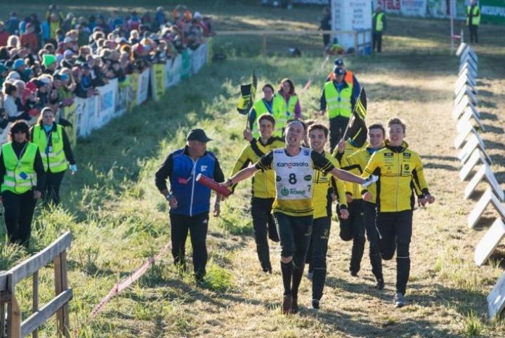 Emil Svensk (8) ankkuroi Stora Tuna OK:n Jukola-voittoon.