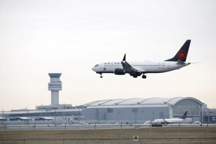 Boeingin 737 Max 8 -konemallissa on epäilty järjestelmävikaa kahden tuhoisan maahansyöksyn jälkeen. LEHTIKUVA/AFP