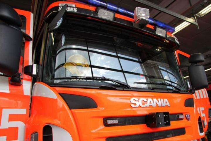Palomestari kertoi, että pelastuslaitoksen päästessä paikalle kansirakenteet paloivat ja oli selvää, että vene kärsii suuret vahingot. LEHTIKUVA / JOHANNA VUONOKARI