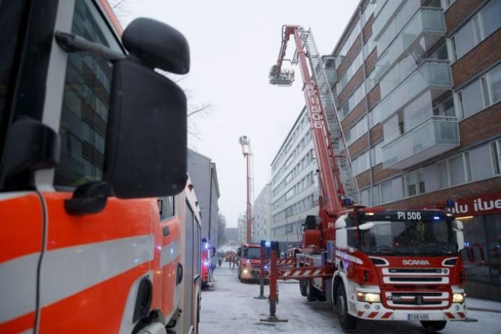 Palo aiheutti syyttäjän mukaan suurelle ihmismäärälle vakavaa hengen ja terveyden vaaraa. LEHTIKUVA / KALLE PARKKINEN