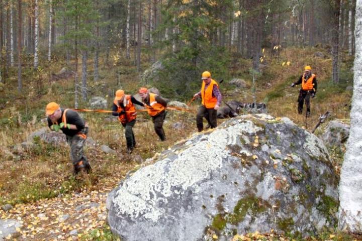 Nurmekselaisen Kynsiniemen Erän metsästäjät olivat hirvijahdissa lokakuussa.