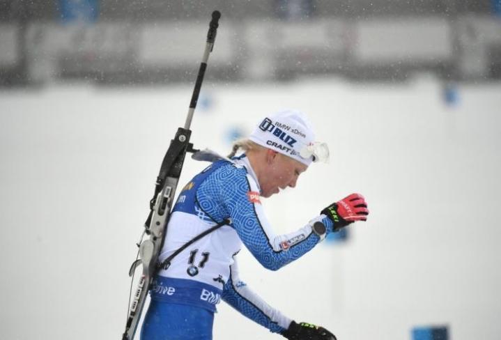 Kaisa Mäkäräinen jäi ilman MM-mitalia Östersundissa. Joensuulainen kamppaili yhteislähdössä MM-mitalista viimeiseen pystyammuntaan asti, jossa hän romahti neljään sakkoon.