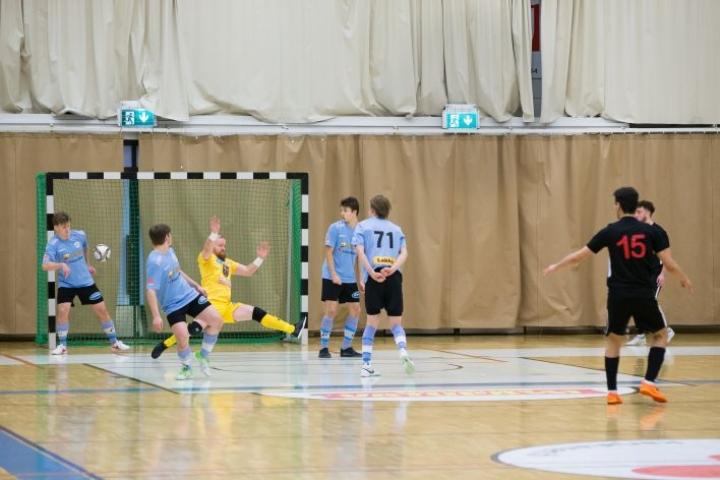SC Riverball kamppailee sarjapaikastaan futsalin Ykkösessä.