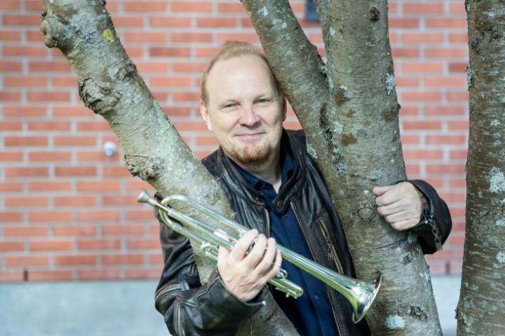 Jouko Harjanne soittaa ensimmäisen kerran Haydnin trumpettikonserton Joensuun kaupunginorkesterin kanssa, vaikka hän on esittänyt sen kymmeniä kertoja eri yhteyksissä.